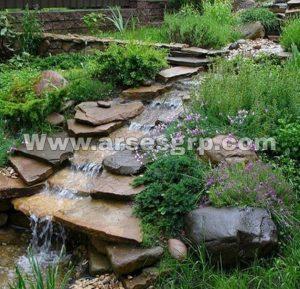 ساخت آبنما در محوطه باغ ویلا