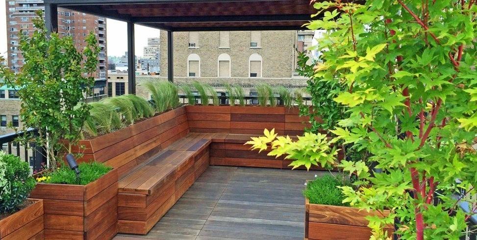 طراحی محوطه باغچه در پشت بام
