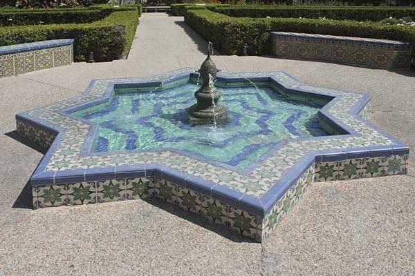 ساخت حوض در محوطه سازی باغ ایرانی