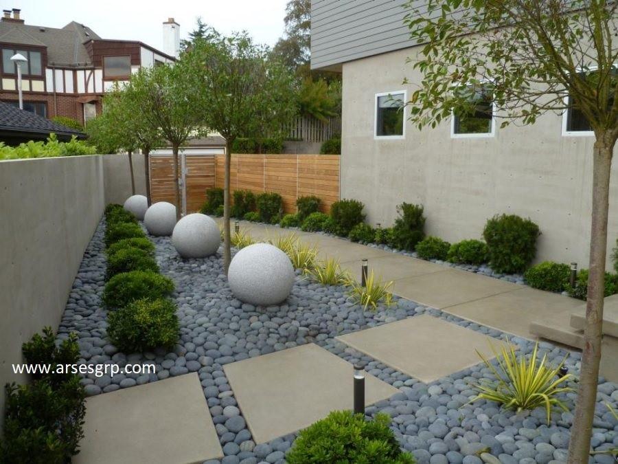 طراحی محوطه فضای سبز با قلوه سنگ