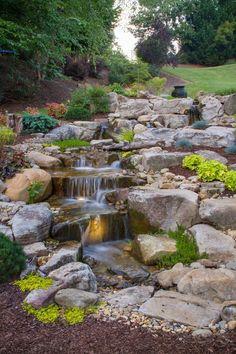طراحی آبنما در باغ
