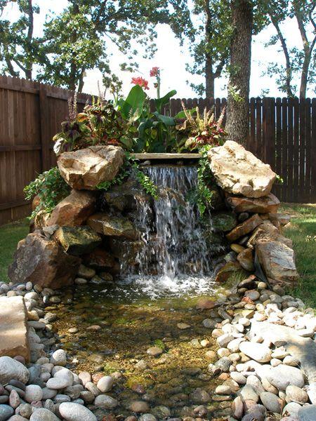 ساخت آبنما صخره ای در حیاط