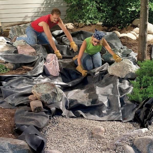 ساخت آبنما با سنگ در حیاط خلوت