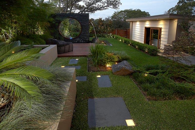 محوطه سازی باغ زیبا